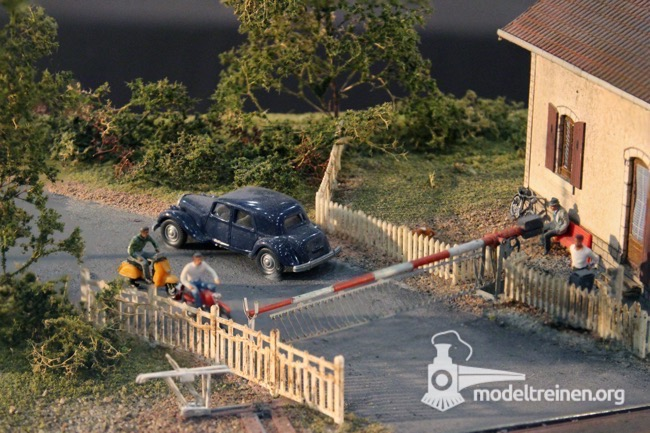 rail miniature 25
